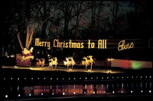 elvis_christmas_lights_at_graceland_